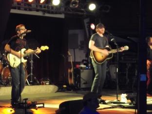 Eric Paslay performs