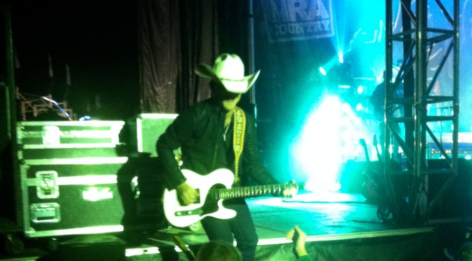 Justin Moore Takes Us to His Kind of Town