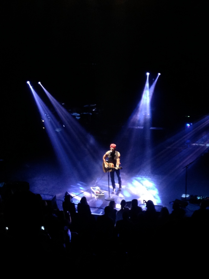 Kip Moore Shakes the Orpheum Theatre