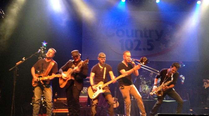 WKLB Holiday Jam featuring Jerrod Niemann & Gloriana Photos