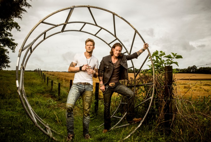 'Sun Daze' Goes Number One for FGL