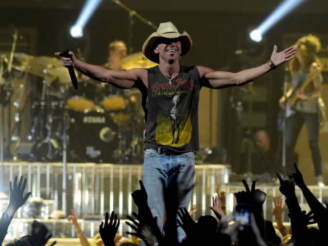 Kenny Chesney Kicks Off New Tour With a Bang
