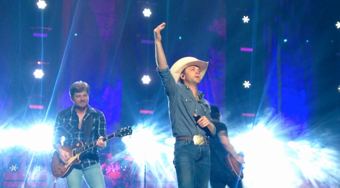 Justin Moore Lets the Night Roll in Worcester