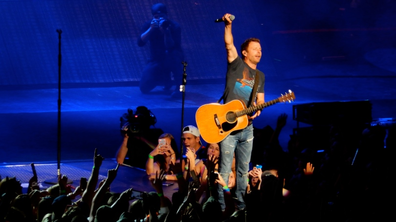 Dierks Bentley Xfinity Center 2015