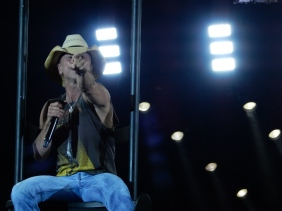 Kenny Chesney Gillette Stadium 2015