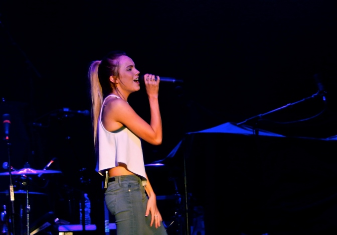 Danielle Bradbery Wastes No Time Showing Off Her Impressive Vocals