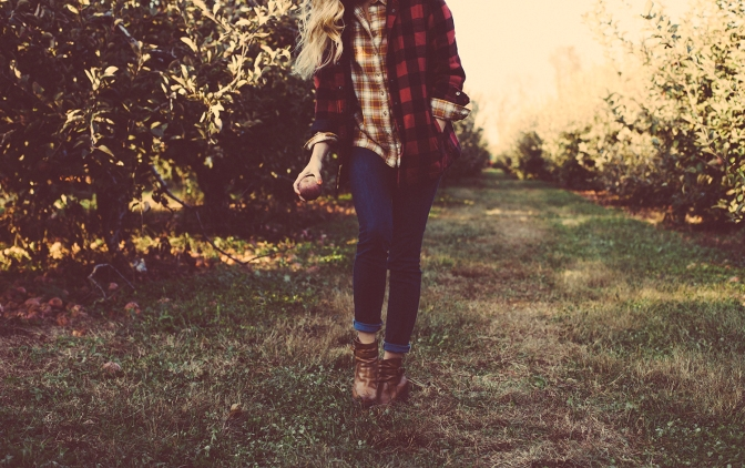 12 Different Ways to Wear Flannel This Fall